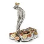Статуэтка Королевская кобра (серебр) с монетами