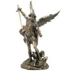Статуэтка Святой Михаил с мечем